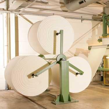 3 Fach-Wickelbock 3-fach Abwickelvorrichtung für Schaumballen Triple unwinding unit for foam bales